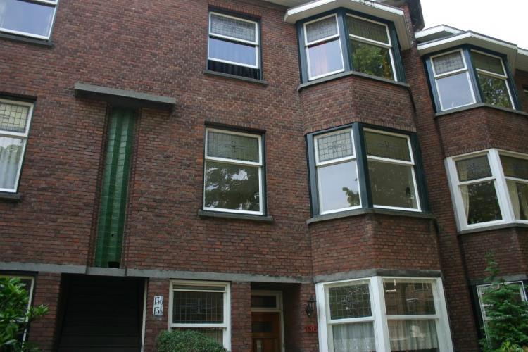Caan van Necklaan
